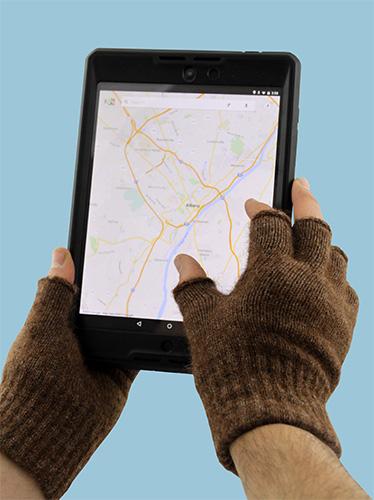 Fingerless gloves and tablet